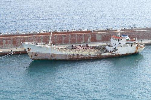 frachtschiff  old  rust