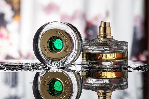 fragrance  perfume  perfume bottle