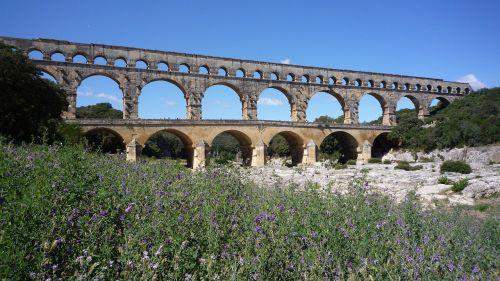 france roman aqueduct bridge