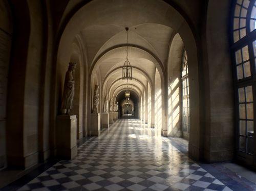 france palace hallway