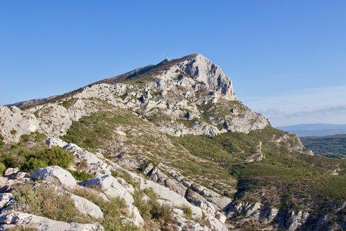 france  mont saint-victoire  côte d'azur
