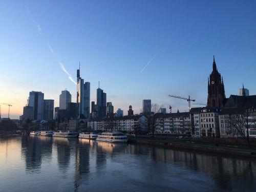 frankfurt main river