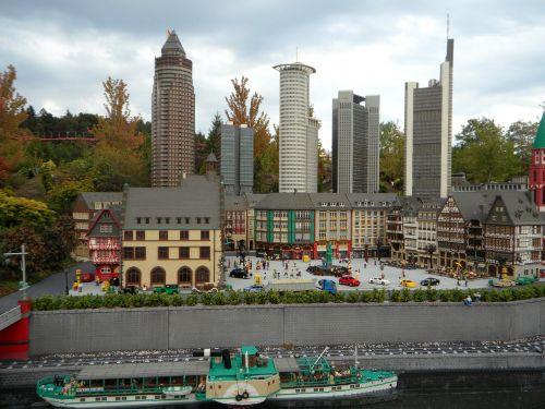 frankfurt mini world building