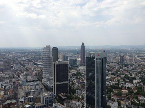 frankfurt skyline skyscraper