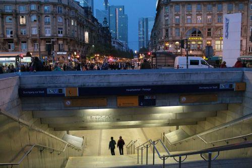frankfurt railway station underpass