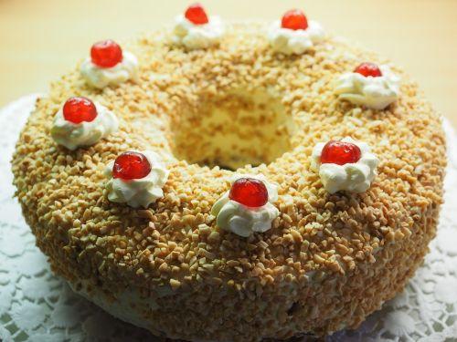 frankfurt wreath cake pie specialty