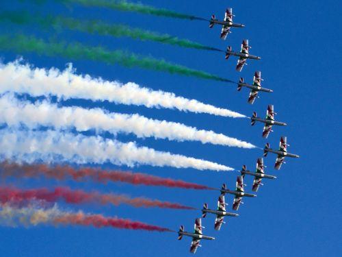 frecce tricolori aircraft sky