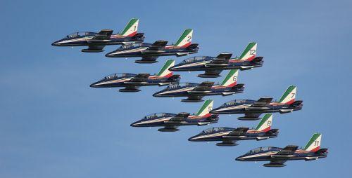frecce tricolori acrobatics aircraft