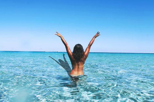 free sea beckoning