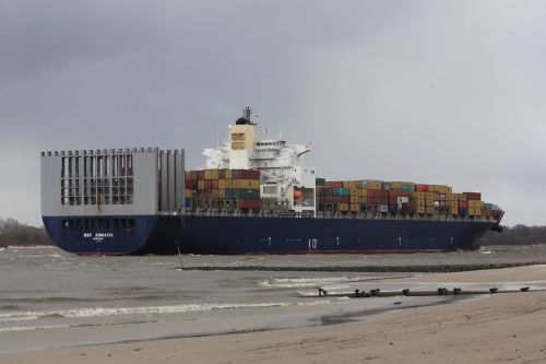 freighter river container