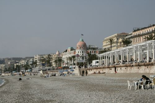 french riviera côte d ' azur beach