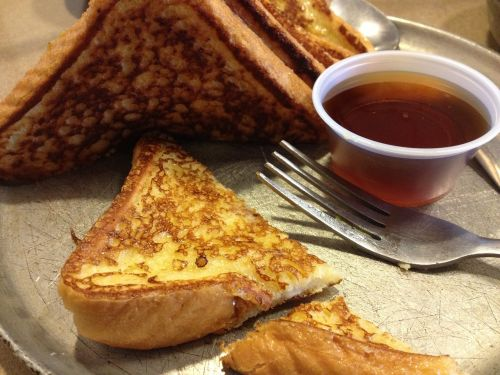 french toast breakfast syrup