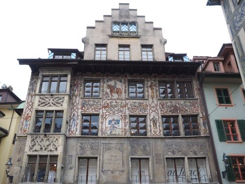frescos lucerne dornacherplatz house