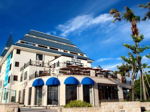 freshwater hotel blue day