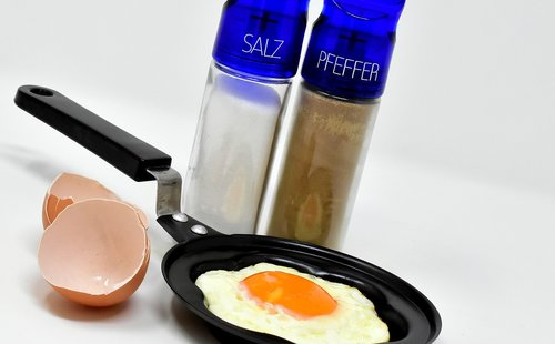 fried  pan  fried eggs