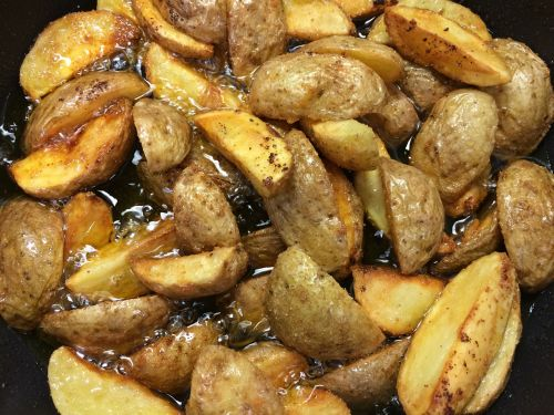 fried potatoes delicious lunch