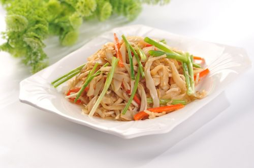 fried rice noodles chives shredded carrots