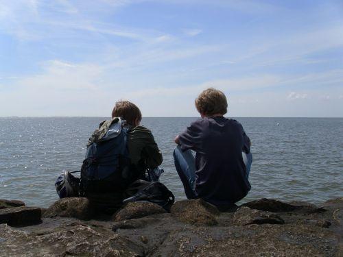 draugai,jūra,vanduo,kranto,kartu