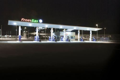 froet gas petrol station gasoline