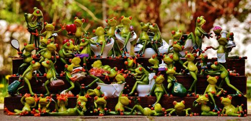frogs many frog assembly