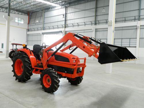 frontalinis krautuvas, Kaušas, traktorius