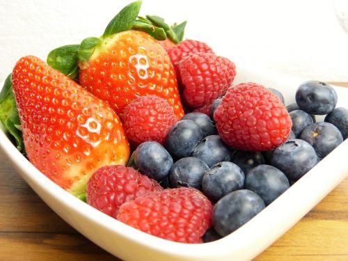 fruit frisch strawberries