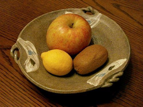 vaisiai,obuolys,citrina,kivi vaisius,patiekalas