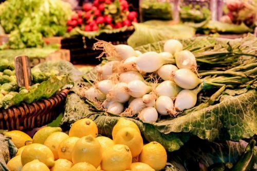 vaisiai,daržovės,turgus