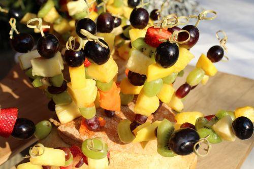 vaisiai,vaisių sudėtis,Makedonija,vaisių kepsniai,vynuogės,ananasai,braškės