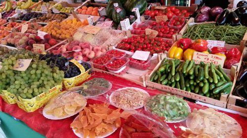 fruit market vitamins