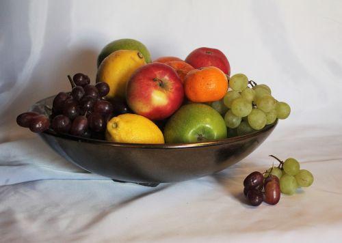vaisių nelygybė,didelis vaisių dubuo,vario dubenėlis vaisių