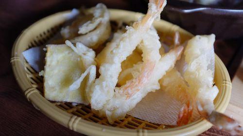 fry cooking shrimp tempura