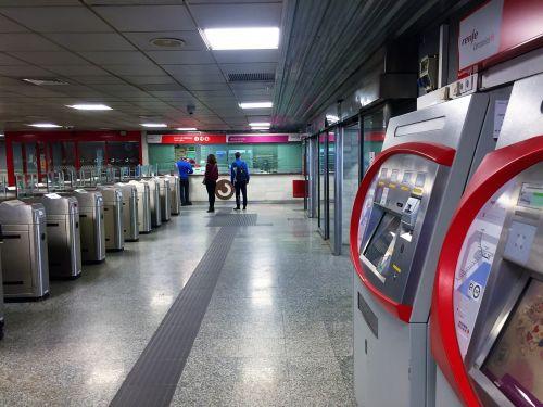 fuengirola, traukinys, stotis, tren, espana, Ispanija, costa, del, sol, Andalūzija, šventė, transportas, turizmas, Fuengirola geležinkelio stotis, Ispanija