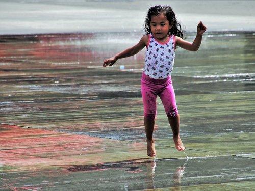 fun  child  wet