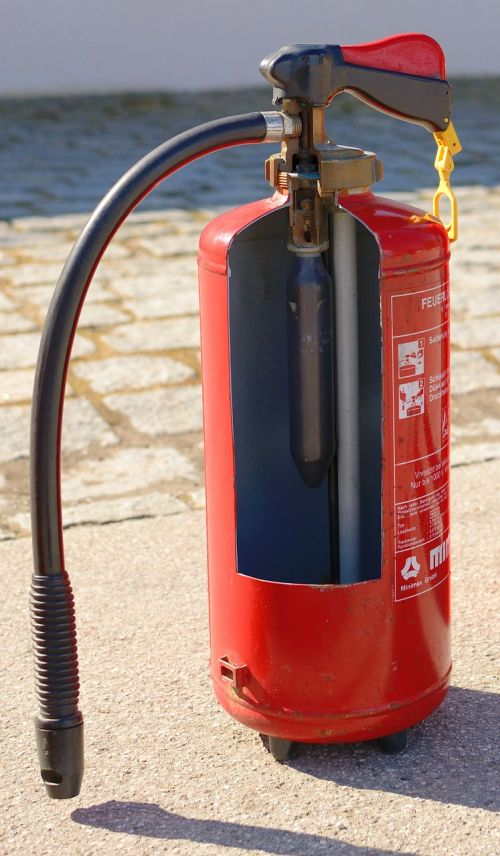 function inside fire extinguisher