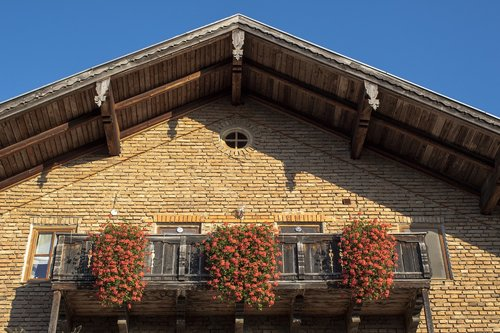 gable  farmhouse  balcony