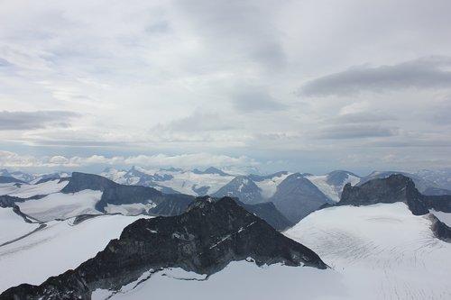galdhøpiggen  mountains  highest mountains