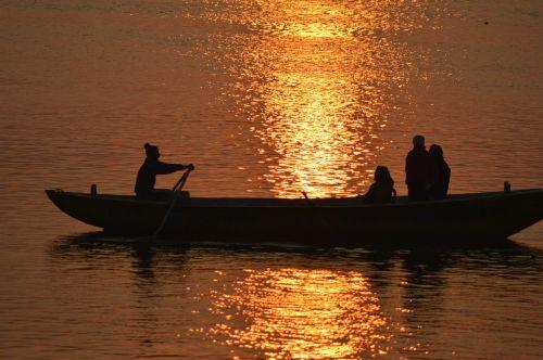 ganges india boat