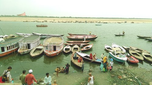 ganges river  varanasi  india