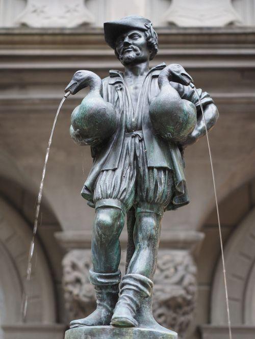 gänsemännchenbrunnen lucerne fountain
