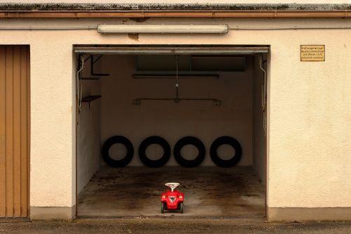 garage mature bobby car