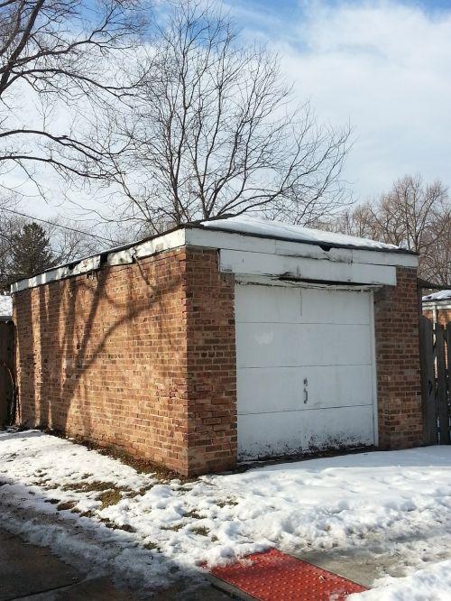 garage shadow snow