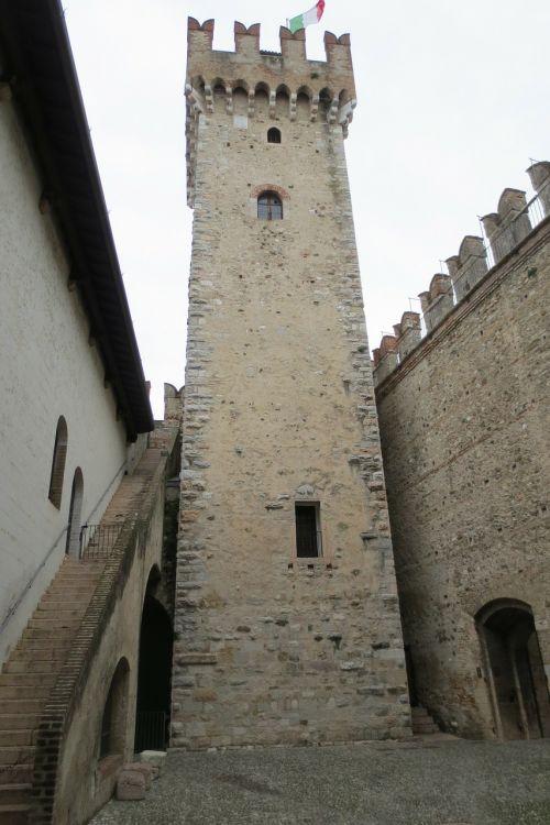 garda sirmione castle