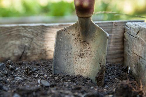 garden spade soil