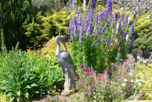 garden statue peaceful