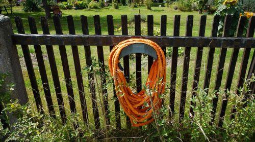 garden hose fence