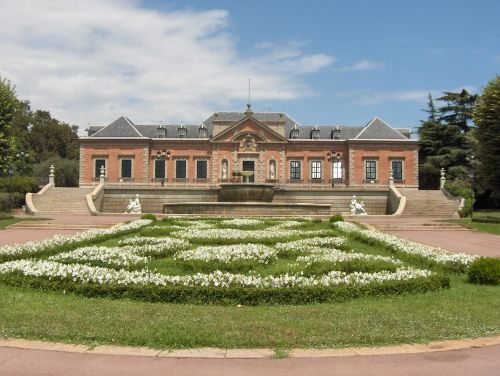 garden palace symmetry
