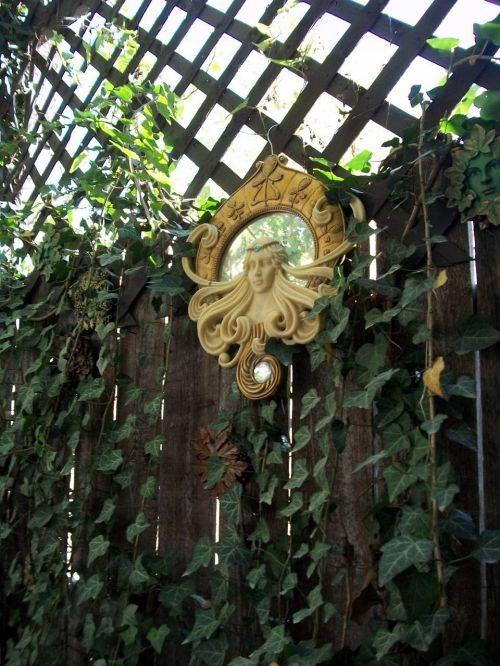 garden ivy mirror