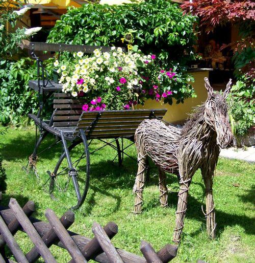 garden decor wicker ass petunia