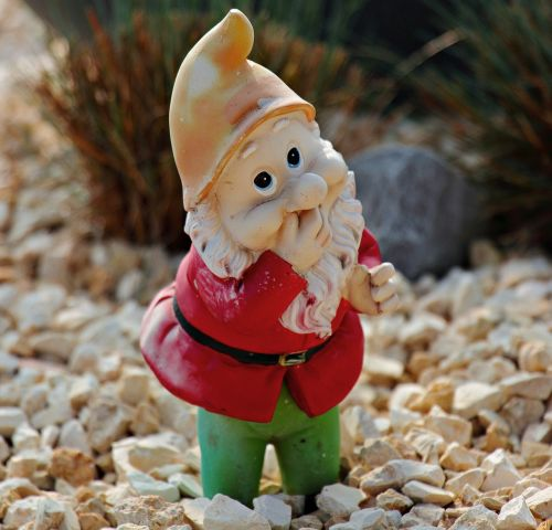 garden gnome dwarf decoration